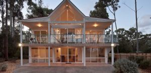 Lochani on the Bay - Accommodation Coffs Harbour