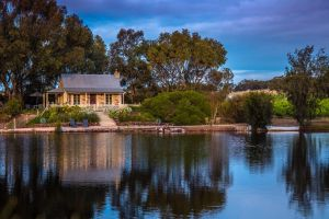 Stonewell Cottages and Vineyards - Accommodation Coffs Harbour