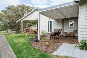 Stablebase - Accommodation Coffs Harbour
